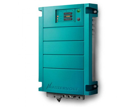 44020120  Cargador de baterías ChargeMaster 24/12-3, con método de carga en 3 fases. Vista en perspectiva lateral del frontal del cargador
