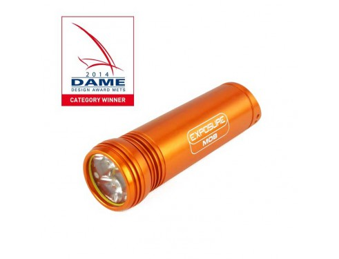 EXPMARMOB Luz de seguridad Exposure MOB. El potente estroboscopio y linterna Hombre al Agua (MOB) de Exposure Marine ha sido diseñado para garantizar que cualquier persona que caiga por la borda pueda ser encontrada rápidamente