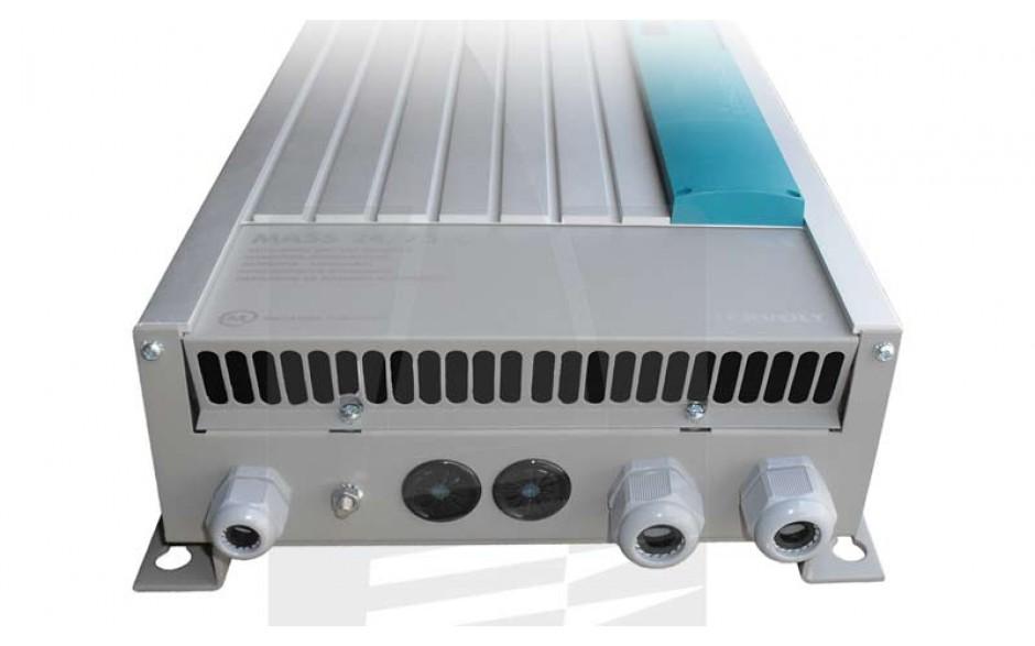 40020756 Cargador Mass 24/75, con 1 Salida de 15 Amp para baterías de servicios y otra salida de 3 Amp para carga de baterías de motor, vista frontal de la parte inferior
