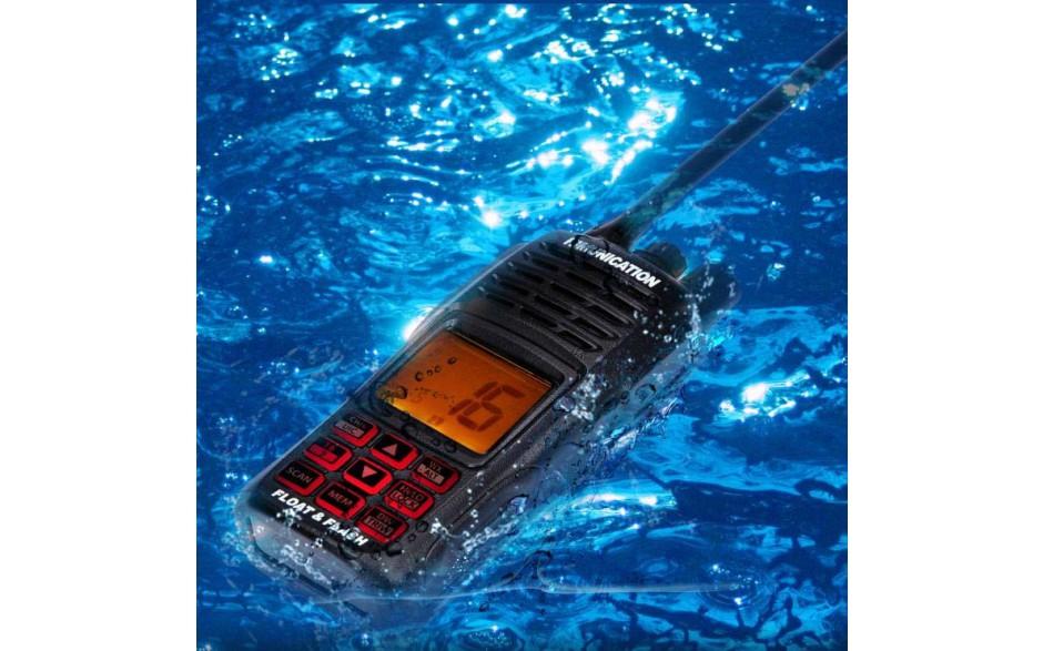 El HM-160 es totalmente estanco. Al caer al agua flota y parpadea para que sea fácil de localizar.