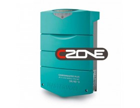 44320405 Cargador de baterías ChargeMaster Plus 24/40-3, integra múltiples funciones en un solo dispositivo, sustituyendo sistemas de carga auxiliar, aisladores, VSRs... Vista en perspectiva lateral del frontal del cargador