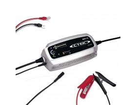 56-708 Cargador de baterías MXS 10, pensado para uso profesional y excelente para talleres, caravanas, embarcaciones o coches. Vista en perspectiva lateral