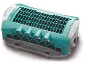77020200 Sistema de distribución 500. Puede crear una conexión de alta tecnología y totalmente monitorizada entre la batería y los componentes CC, como los cargadores de baterías, inversores, alternadores y paneles solares. Vista en perspectiva lateral