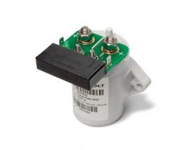 83302502 Relé automático de batería Charge Mate. Conecta dos bancos de baterías cuando la tensión aumenta por encima de un valor prefijado durante al menos 5 segundos, permitiendo que estos bancos de baterías se carguen al mismo tiempo. Cuando la tensión