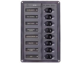 901V Cuadro eléctrico 901V, 8 int, 12V.  BEP Marine utiliza materiales de la más alta calidad en su gama de paneles de control, desde las placas base de aluminio de grado marino hasta los interruptores de circuito hidráulicos magnéticos Airpax. Vista fron