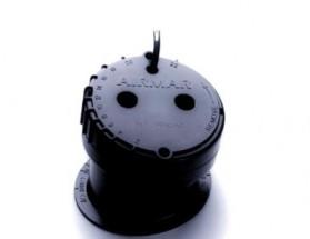 E26001-PZ Transductor P79.  Transductor fabricado en plástico, de montaje en interior, muestra datos de profundidad.