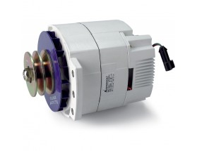 48224150 Alternador 24V / 150A, Equipo de generación eléctrica que proporciona energía extra a la generada por el alternador principal del vehículo para cargar las baterías de servicio. Vista en perspectiva lateral