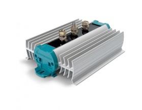 83007021 Separador de carga BI 702-S. Tecnología de diodos convencional. La caída del voltaje de diodos se compensa adaptando el voltaje de salida del cargador o alternador conectado.