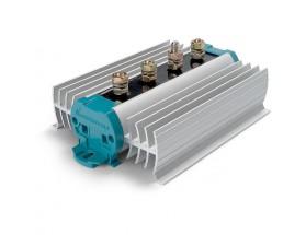 83007030 Separador de carga BI 703. Tecnología de diodos convencional. La caída del voltaje de diodos se compensa adaptando el voltaje de salida del cargador o alternador conectado.
